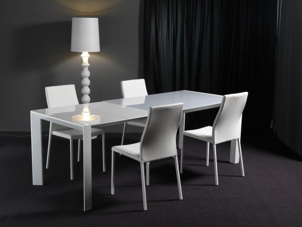 Tavolo allungabile in cristallo design soggiorno cucina - Tavolo cristallo design ...