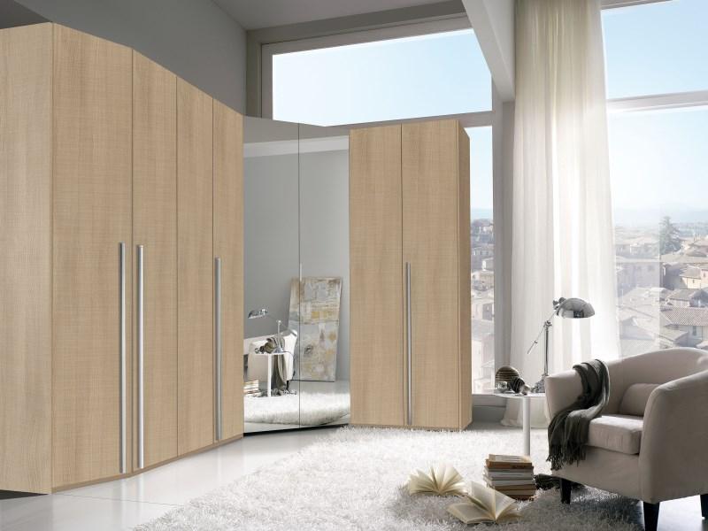 Cabina armadio angolare 8 ante battenti con specchiera for Prezzi della cabina di tronchi di 3 camere da letto