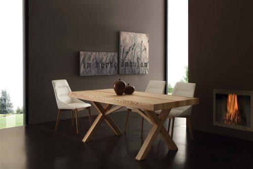 tavolo da cucina in legno allungabile naturale