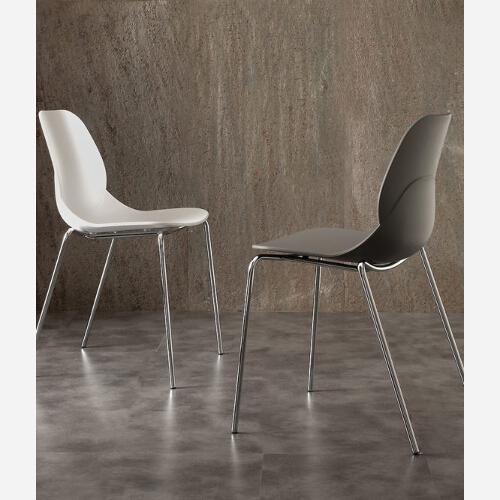 sedie metallo e polipropilene
