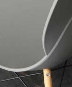 sedie in legno e polipropilene 1