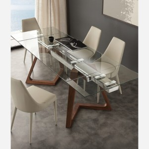 tavolo in cristallo e legno