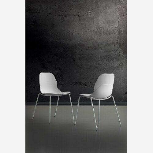 4 sedie in polipropilene bianche