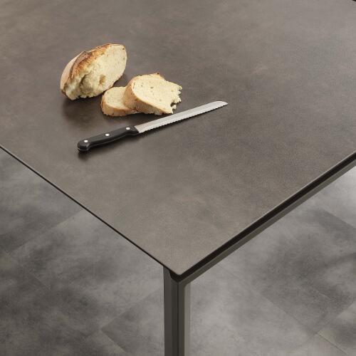 tavolo da cucina allungabile in ceramica antracite Ceramique dettagli
