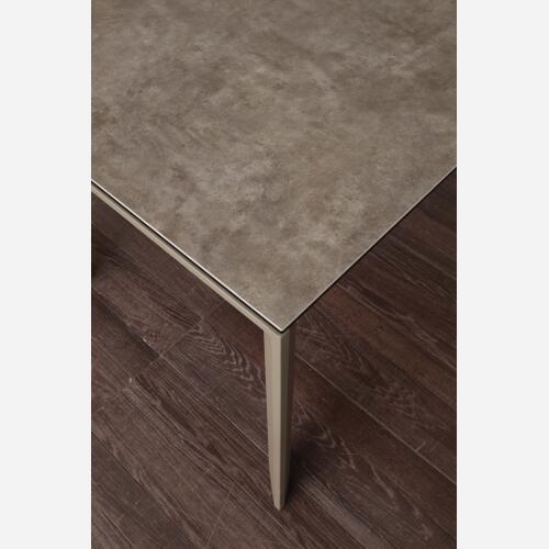 tavolo da cucina allungabile in ceramica fango Ceramique dettagli