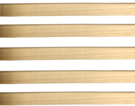 listelli grigliati in legno sovrapposti
