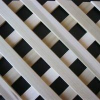 grigliato in legno sovrapposto listello foro 25